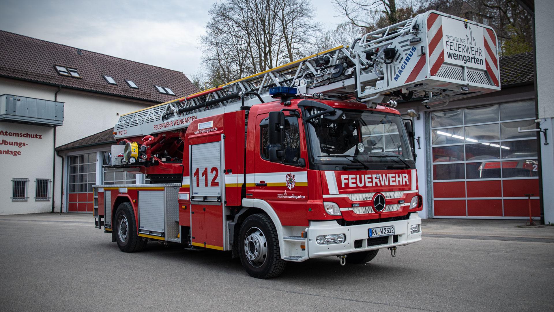 Drehleiter Automatik mit Korb 23/12 der Feuerwehr Weingarten.
